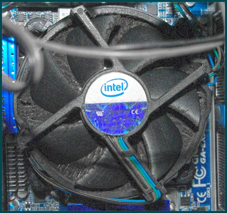 Пыль на вентиляторе процессора